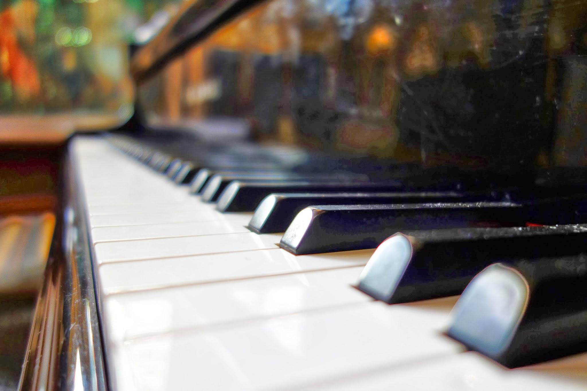 chapel_piano